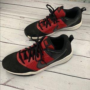 Nike black & red sneakers 6.5